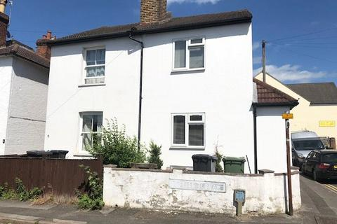 5 bedroom semi-detached house to rent - Nettles Terrace, Guildford, Surrey, GU1