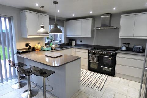 3 bedroom semi-detached house for sale - Hawthorn Road, Peterborough, Cambridgeshire. PE1 4PA