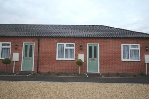 1 bedroom semi-detached bungalow to rent - Huntingtower Road, Grantham