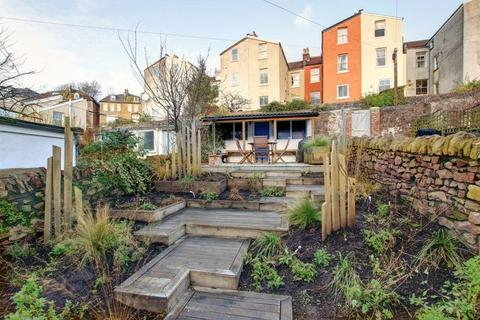 3 bedroom terraced house for sale - Cliftonwood Crescent, Cliftonwood