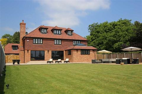 6 bedroom detached house for sale - BIRLING, Kent