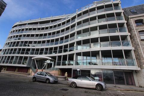 2 bedroom apartment to rent - Discovery Wharf, 15 North Quay, Sutton Harbour