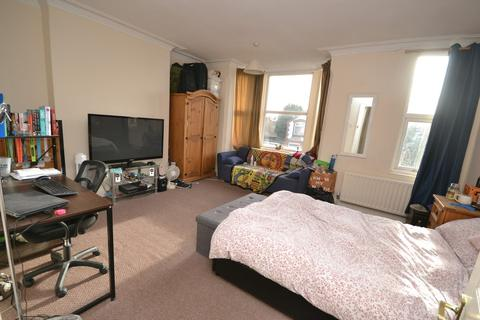 1 bedroom house share to rent - House Share - Trent Boulevard, West Bridgford