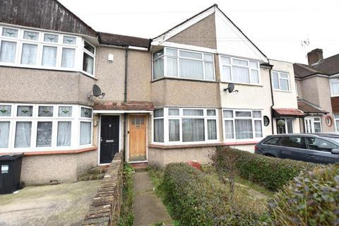 3 bedroom house for sale - Guildford Avenue, Feltham, Middlesex, TW13