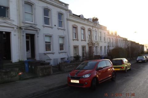 3 bedroom flat to rent - Windsor Street, West End