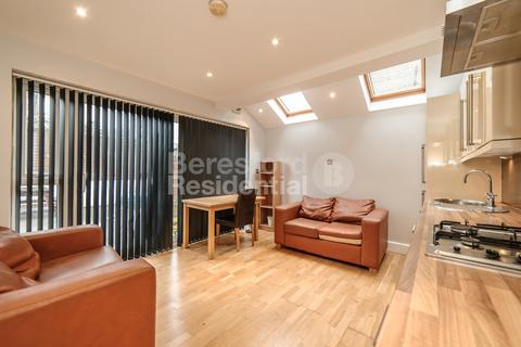 2 bedroom flat to rent - Kellino Street, Tooting Bec