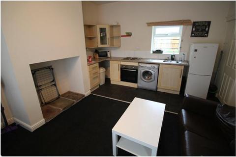 2 bedroom house to rent - Prince Street, Newsome, Huddersfield HD4