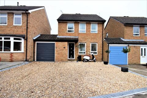 3 bedroom link detached house for sale - The Canter , Crawley, West Sussex. RH10 7YX