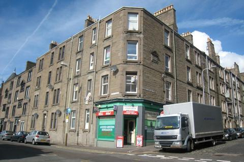 3 bedroom flat to rent - Brown constable street, Stobswell, Dundee, DD4 6QZ