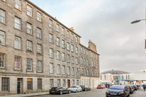 2 bedroom flat for sale - 10/7 Brighton Street, Potterrow, EH1 1HD