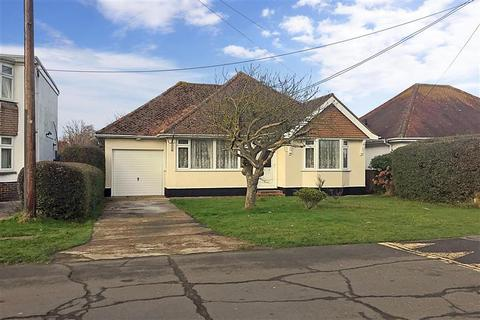 3 bedroom detached bungalow for sale - Kingsway, Dymchurch, Kent