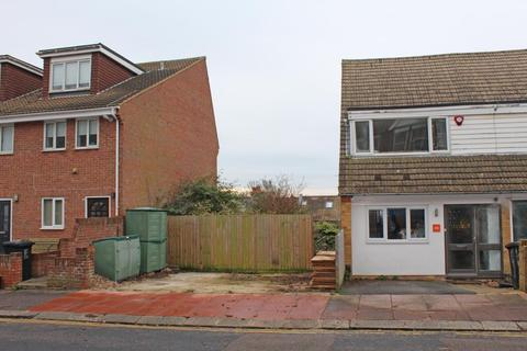 4 bedroom property with land for sale - 46 Hythe Road, Brighton