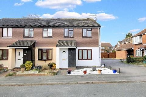 3 bedroom end of terrace house for sale - Beaufort Close, North Weald