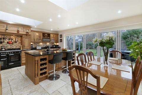 3 bedroom semi-detached house for sale - Forest Road, Paddock Wood, Tonbridge