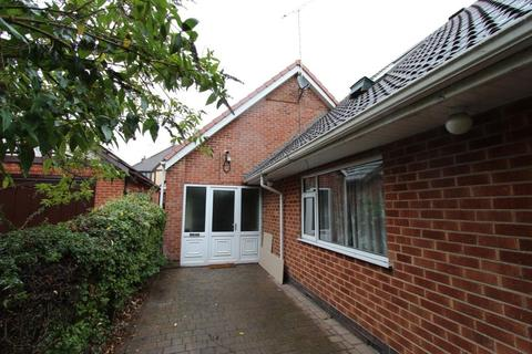3 bedroom semi-detached house to rent - Derby Road, Beeston, NG9 3AN