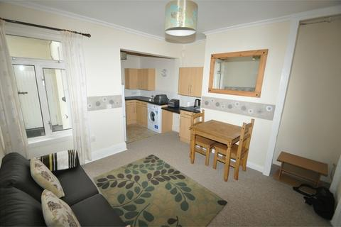2 bedroom flat to rent - Meadowbank Road, Falmouth