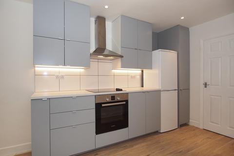 4 bedroom terraced house to rent - Saracen Way, Penryn