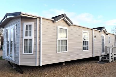 2 bedroom mobile home for sale - 7 Galaxy Heron Cottage Park PE12 8SR