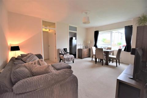 1 bedroom ground floor flat for sale - Dryden Close, Ilford, IG6 3DZ
