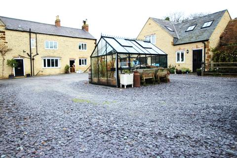 6 bedroom country house for sale - 2 Kettering Road, Isham, Kettering NN14