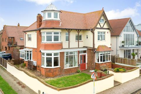 4 bedroom detached house for sale - Western Esplanade, Herne Bay