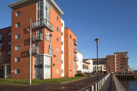 3 bedroom apartment to rent - Thorter Row, Dundee