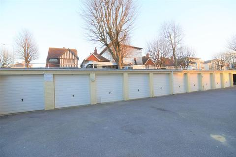 Garage to rent - Cromwell Road, Hove