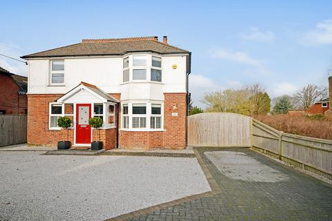 4 bedroom detached house for sale - Sussex Road, New Romney