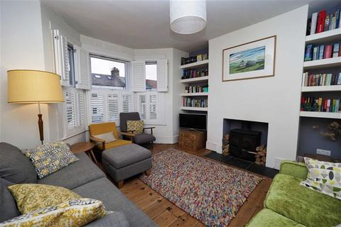 3 bedroom terraced house for sale - Genesta Road, Shooters Hill, London, SE18