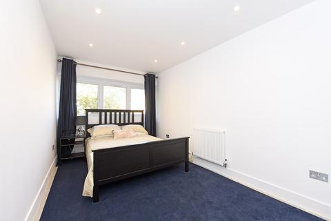 2 bedroom apartment to rent - Woodley, Berkshire
