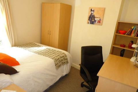 3 bedroom house share to rent - Blackweir Terrace, Cathays, Cardiff