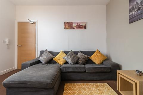 5 bedroom terraced house to rent - Hylton Road, Nr City Campus, SUNDERLAND, Tyne and Wear