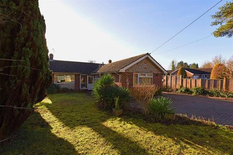 3 bedroom house for sale - Downs Road, South Wonston, Winchester