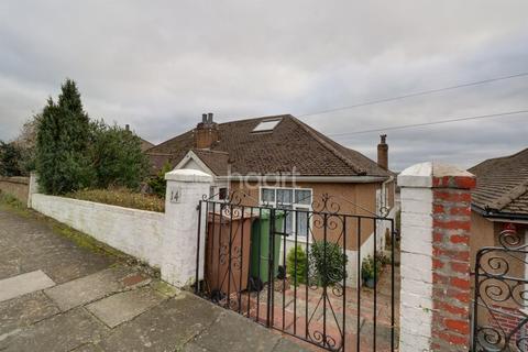 3 bedroom bungalow for sale - Fairview Avenue, Laira