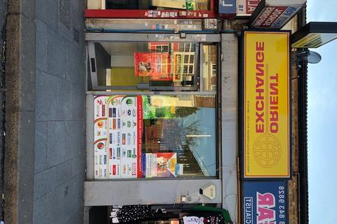 Retail property (high street) to rent - High Street, Southall, Middlesex, UB1