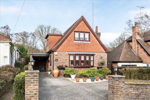 3 bedroom detached house for sale - Pinehill Road, Crowthorne