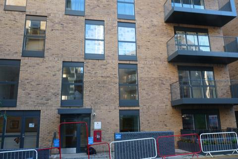 1 bedroom flat to rent - Lyons Square, Harrow, HA1
