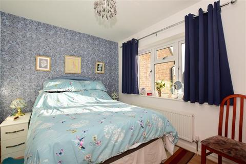 3 bedroom semi-detached house for sale - Colne Close, South Woodham Ferrers, Chelmsford, Essex