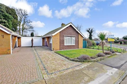 2 bedroom detached bungalow for sale - Dorcas Gardens, Broadstairs, Kent