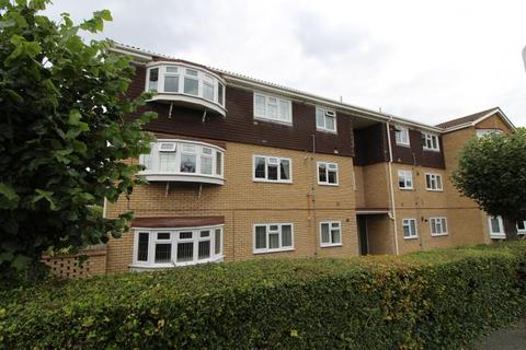 3 bedroom apartment to rent - Hurstwood Court, Hall Lane, Upminster, RM14 1BB
