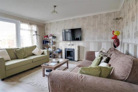3 bedroom detached house to rent - Knowland Grove, Norwich