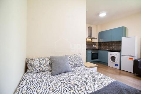 Studio to rent - Lofthouse Residence, 78 Lofthouse Place, Leeds, LS2
