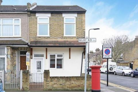 3 bedroom terraced house for sale - Selby Road, London, London, E11 3LT