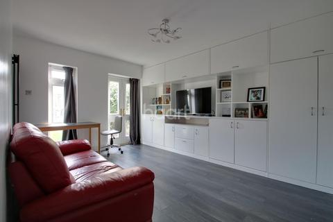 1 bedroom flat for sale - Gregory Road, Chadwell Heath