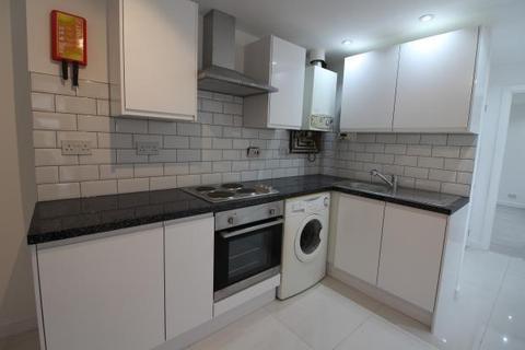 3 bedroom flat to rent - Coburn Street, , Cardiff