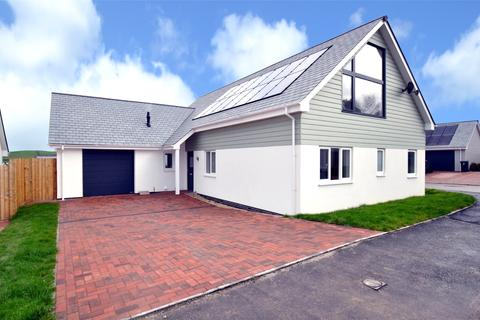 4 bedroom detached bungalow for sale - The Lawns, Mount Sandford Green