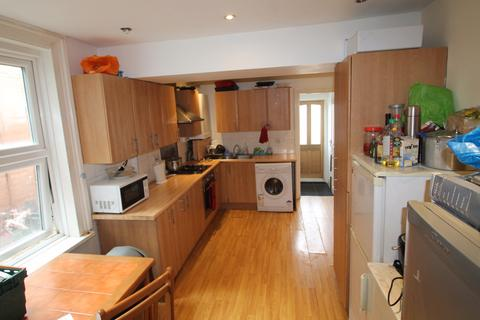 5 bedroom house share to rent - Cavendish Road, Croydon, CR0