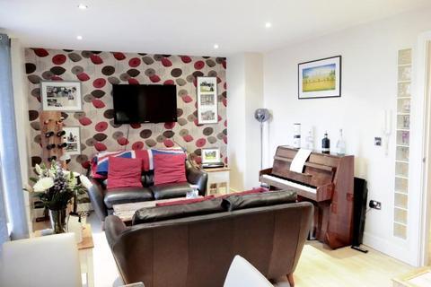 2 bedroom apartment for sale - CROMWELL COURT, 10 BOWMAN LANE, LEEDS, LS10 1HN