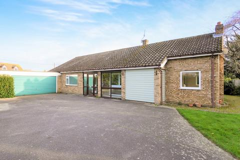 4 bedroom detached bungalow for sale - Lower Road, Westerfield