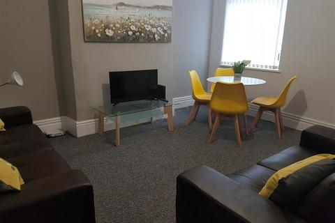 5 bedroom terraced house to rent - ), Liverpool